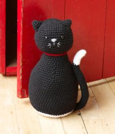 Free Crochet Pattern: Amigurumi Black Cat Door Stopper via https://pinterest.com/expotienda