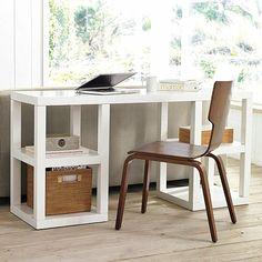 weißer-Schreibtisch-praktische-Regale-selber-machen