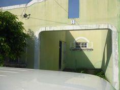 Se Vende casa aprovecha en Ciudad Versalles, Villa Monaco,. lA Libertad pasaje 2 sur polígono 30, cuenta con 2 habitaciones cocina, independiente, sala, comedor, cochera para un vehículo. pr...