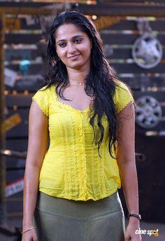 Indian Actress Pics, South Indian Actress Hot, Most Beautiful Indian Actress, Indian Actresses, South Actress, Beautiful Actresses, Stylish Girl Images, Stylish Girl Pic, Top Celebrities