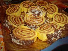 CAIETUL CU RETETE: Rulada cu gem Cake Recipes, Dessert Recipes, Romanian Food, Romanian Recipes, Cake Cookies, Nutella, Waffles, Deserts, Good Food