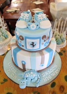 Did this for my brother and sister-in-law's baby shower,  was in a rush finishing this cake and didn't have a chance to took proper photo of this cake and finally took it at the restaurant.
