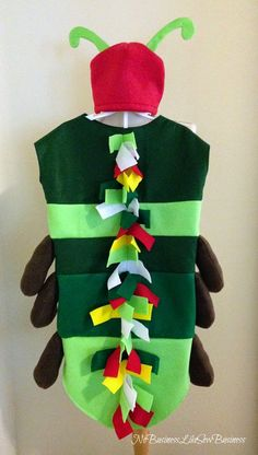 DIY Halloween Costume for Kids The Very Hungry Caterpillar Costume {No Business Like Sew Business} Book Costumes, World Book Day Costumes, Book Week Costume, Best Diy Halloween Costumes, Halloween Kids, Halloween Crafts, Halloween 2018, Bug Costume, Costume Ideas