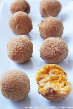 Croquetas de calabaza y queso - Pumpkin and cheese croquettes Veggie Recipes, Vegetarian Recipes, Cooking Recipes, Healthy Recipes, Tapas, Comida Diy, Good Food, Yummy Food, Cooking Time