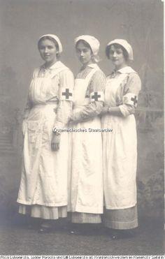 Noblewomen Rosa Lubomirska (later Potocka), Nina Woziniakowska and Baroness Lepal in nurse uniforms in Komensky hospital. Vienna, 1914.