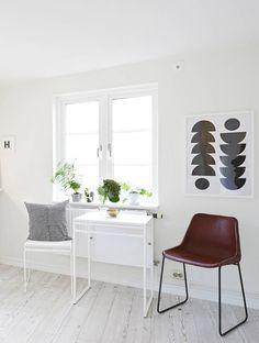 Via Cocolapinedesign.com | White Scandinavian Livingroom