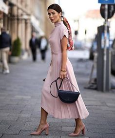 Classy Chic Outfit Ideas for Fall Spring Outfit Women, Summer Outfits, Vacation Outfits, Summer Clothes, Modest Fashion, Fashion Dresses, Maxi Dresses, Skirt Outfits, Classy Fashion