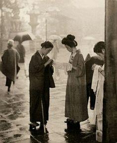 Maidens at the shrine entrance - Shoichido Kurihara 1930's