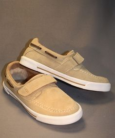 The halfhitch in taupe by UGG is a great boat style shoe for spring and summer! Dress it up or keep it casual with a pair of shorts! Boys Casual Shoes, Kid Shoes, Boat Shoes, Boat Fashion, Fashion Shoes, Uggs, Taupe, Pairs, Shorts