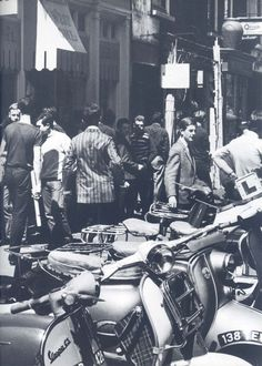 """""""Mod's scooters, Carnaby Street"""", London 1964 1960s Britain, Mod Scooter, Swinging London, Carnaby Street, London Pictures, E Type, Youth Culture, Mod Fashion, Vintage Fashion"""