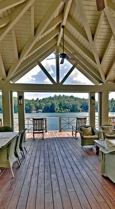 Lakeside perfection on Lake Burton - northeast Georgia mountains