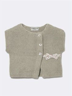 baby liberty® cardigan in wickel optik liberty jennyliberty Knitting For Kids, Baby Knitting, Crochet Baby, Teddy Bear Clothes, Knitted Baby Clothes, Cardigan Bebe, Baby Cardigan, Little Girl Outfits, Kids Outfits