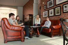 Když jsou studenti unavení nebo si chtěji odpočinout, mohou si vychutnat skvělou kávu ve stylové kavárně. #Unifer #office #kancelar #cafe