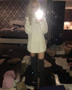 Picture of Dove Cameron Elle Fanning, Grey Adidas Sweatpants, Liv Rooney, Dove And Thomas, Dove Cameron Style, Hairspray Live, Dove Pictures, Cameron Boyce, Cute Actors