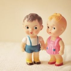Vintage dolls, brother and sister ! Vintage Baby Boys, Vintage Love, Vintage Children, Old Dolls, Antique Dolls, Doll Toys, Baby Dolls, Rubber Doll, Vinyl Dolls