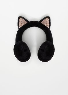 Discover the latest trends in Mango fashion, footwear and accessories. Shop the best outfits for this season at our online store. Winter Accessories, Jewelry Accessories, Fashion Accessories, Teen Fashion Outfits, Kids Fashion, Cat Headphones, Unicorn Room Decor, Kawaii Phone Case, Mode Kawaii