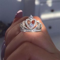 Opal engagement ring women white gold Halo diamond vintage oval cut Solitaire set flower antique wedding Jewelry Anniversary gift for her - Fine Jewelry Ideas Cute Rings, Pretty Rings, Beautiful Rings, 15 Rings, Cute Jewelry, Jewelry Rings, Jewelry Accessories, Ring Verlobung, Crystal Rhinestone