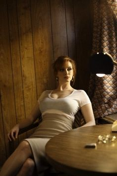 Gorgeous Christina Hendricks with red hair, reclining in a snug white top. Understated but sexy. Beautiful Christina, Beautiful Redhead, Beautiful Celebrities, Beautiful Women, Christina Hendricks Bikini, Cristina Hendrix, Bobe, Actrices Hollywood, Hairstyles With Bangs