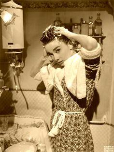 Audrey Hepburn. Shampoo.