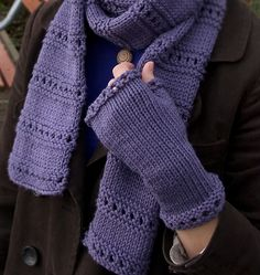 Montgomery Fingerless Mitts by Megan Goodacre : free Ravelry download