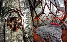 Post with 3761 views. A Pinecone Treehouse in the Red Wood forest of Bonny Doon, California. Exterior Design, Interior And Exterior, Interior Architecture, Tree House Designs, Cool Tree Houses, Dome House, Forest House, Cozy Place, Home And Deco