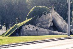 Une sculpture étonnante à l'occasion de la foire internationale d'art…