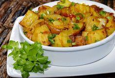 Batata Assada com Molho de Tomates Caseiro | Veganana