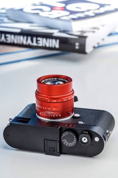 Leica APO Summicron-M ASPH special limited edition lens in red anodized finish Photography Camera, Glamour Photography, Vintage Photography, Rolleiflex Camera, Leica M, Beginners Guide To Photography, Classic Camera, Its A Mans World, Monochrom