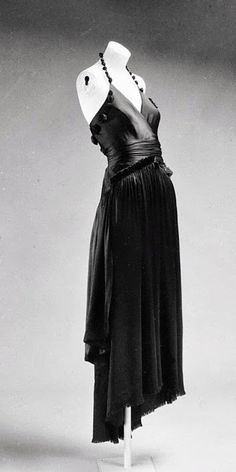 Vionnet Dress - 1917 - by Madeleine Vionnet  (French, 1876-1975) - Silk - The Metropolitan Museum of Art