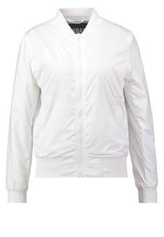 Für deinen trendigen Street-Style. Urban Classics Leichte Jacke - white für 39,95 € (27.03.16) versandkostenfrei bei Zalando bestellen.