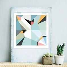 Origami poster nessie. De nessie, monster van Loch Ness, artprint is onderdeel van de Autumn serie. Een serie prints die zijn geïnspireerd op de uitgevouwen ontwerpen van origami dieren. De bijzondere retro kleuren van deze serie in combinatie met de geometrische vormen passen perfect bij een modern interieur. De print is 32 x 32 cm (incl witrand) en is gedrukt op mooi stevig FSC papier. Natuurlijk kunnen ze ook gewoon met een mooie washi tape aan de muur. Ook verkrijgbaar als ansichtkaart