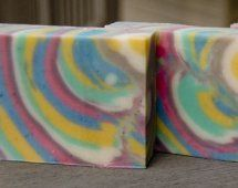 Column Swirl Homemade Soap Recipe looks amazing, better for your skin and would make great gifts!