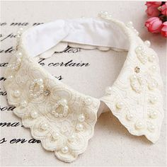 Hot Sale Detachable Collar Beige Color Fake Collar Shirt Women with Pearls Ladies Lace False Collar Clothing Accessories Beaded Collar, Lace Collar, Beaded Choker Necklace, Collar Necklace, Pearl Necklaces, Detachable Collar Shirt, Faux Col, Diy Collier, Half Shirts