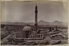 """İnce minaret madrasah Before the collapse of a minaret Harbin, Islamic Architecture, Ottoman Empire, Historical Pictures, Cn Tower, Old Photos, Paris Skyline, Istanbul, Building"