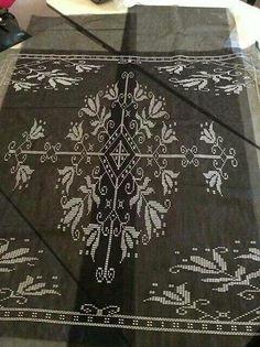 Kına örtüsü Cross Stitch Embroidery, Hand Embroidery, Needlework, Diy And Crafts, Sewing, Charts, Future, Recipes, Hardanger