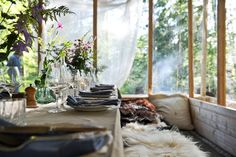 Stedsans in the Woods. Interior design by Mette Helbæk. Photo by Anders Guld.