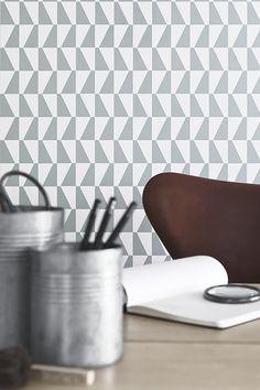 Tapet från Boråstapeters Wallpapers by Scandinavian designers, Arne Jacobsens mönster från 50-talet - kanske till vår hall!?