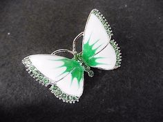 New-vintage-style-white-green-enamel-green-diamante-butterfly-brooch-pin-gift