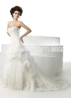 US $241.09 Free Shipping Elegant A-Line Sweetheart Sleeveless Beading Embroidery Organza Wedding Dresses (3AA0051)