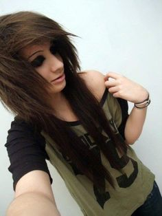 I honestly love emo hair :3 I want my hair like this but red:)