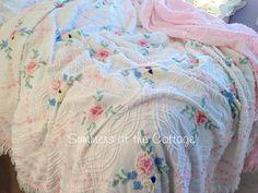 PINK POPCORN ROSES VINTAGE CHENILLE BEDSPREAD BLUE COTTAGE GREEN ON WHITE
