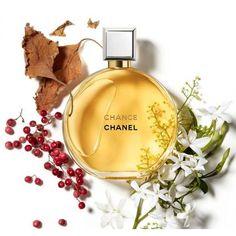 Perfume Chanel, Perfume Floral, Parfum Paris, Chance Chanel, Perfume Recipes, Fragrance Mist, Perfume Fragrance, Perfume Collection, Coco Mademoiselle