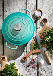Inject a breath of fresh air into your home with the latest hue from Le Creuset, Cool Mint. Adding instant elegance, this enchanting pastel adds a chic and refreshing accent to any kitchen and table.