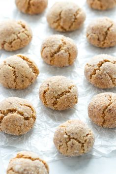 Chewy Amaretti Cookies are a true Italian classic. These Amaretti cookies have crispy outer edges, soft chewy centres and are gluten free. Italian Almond Cookies, Almond Meal Cookies, Italian Cookie Recipes, Pecan Cookies, Sicilian Recipes, Yummy Cookies, Real Food Recipes, Italian Desserts, Keto Cookies