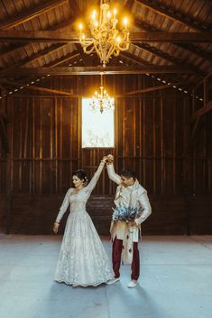 Rustic Indian Micro Wedding – Stonehurt Wedding Venue – Leilani Weddings – West Imagery Photography – PrettyParty Floral 33 This multicultural Micro Wedding in a chandelier-lit barn in Southern California is gloriously rustic & romantic. #bridalmusings #bmloves #culturalwedding #wedding #indianwedding #barn #barnwedding North South, Bridal Musings, First Dance, Love S, Southern California, Wedding Venues, Barn, Chandelier, Romantic