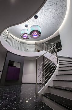 LED Bänder, Indirektbeleuchtung, Hinterleuchtung, Akzentbeleuchtung;    LED stripes, indirect lighting, backlighting, accent lighting;   Photo by: bild[ART]isten Led Band, Led Stripes, Stairs, Lighting, Home Decor, Electrical Installation, Indirect Lighting, Modern Architecture, Stairway