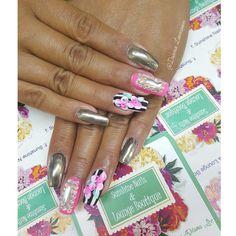 Conócenos, síguenos, compártenos... f/ Sunshine Nails & Lounge Boutique @Diana Leemoon #Uñas #UñasAcrílicas #Nails #Silver #NailArt #DianaLeemoon