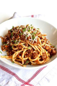 Bucatini Recipes, Pasta Recipes, Gourmet Recipes, Beef Recipes, Dinner Recipes, Cooking Recipes, Healthy Recipes, Bucatini Pasta, Recipe Pasta