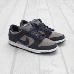 Nike SB Dunk Low - Thunder Blue / Cool Grey. Nice for everyday wear