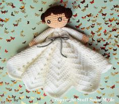 Princess Leia Lovely/Blankie - Free Amigurumi Crochet Pattern here: http://stuffsusiemade.blogspot.sg/2015/01/princess-leia-blankie-free-crochet.html Snow White and Cinderella Version here: http://stuffsusiemade.blogspot.com.es/2015/01/princess-blankie-free-crochet-pattern.html